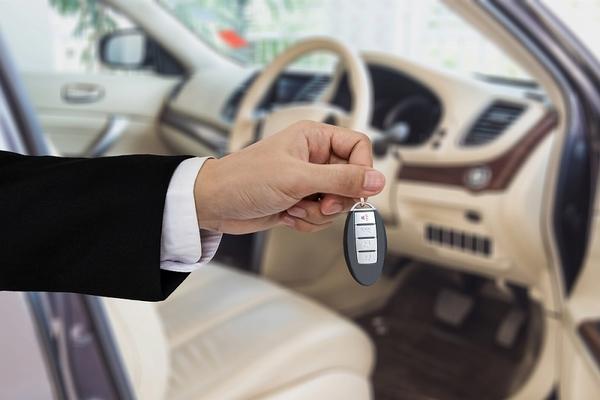 新車購入の流れと安く購入するための4つのコツ